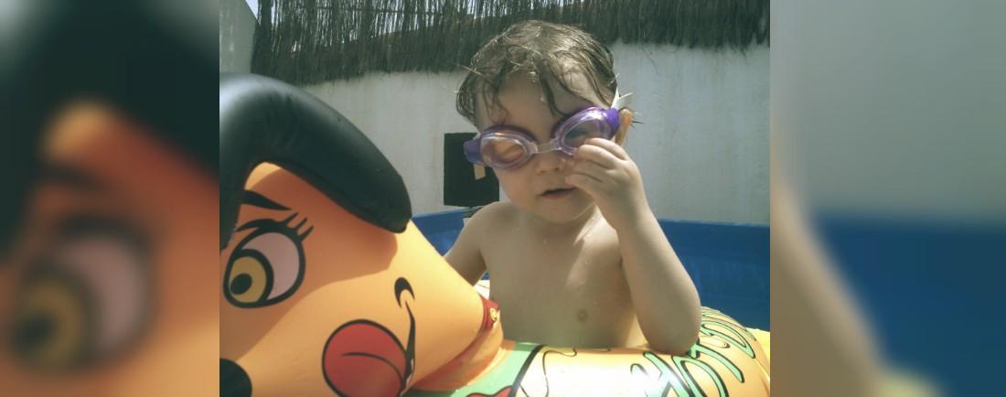 Andrejka v bazenku