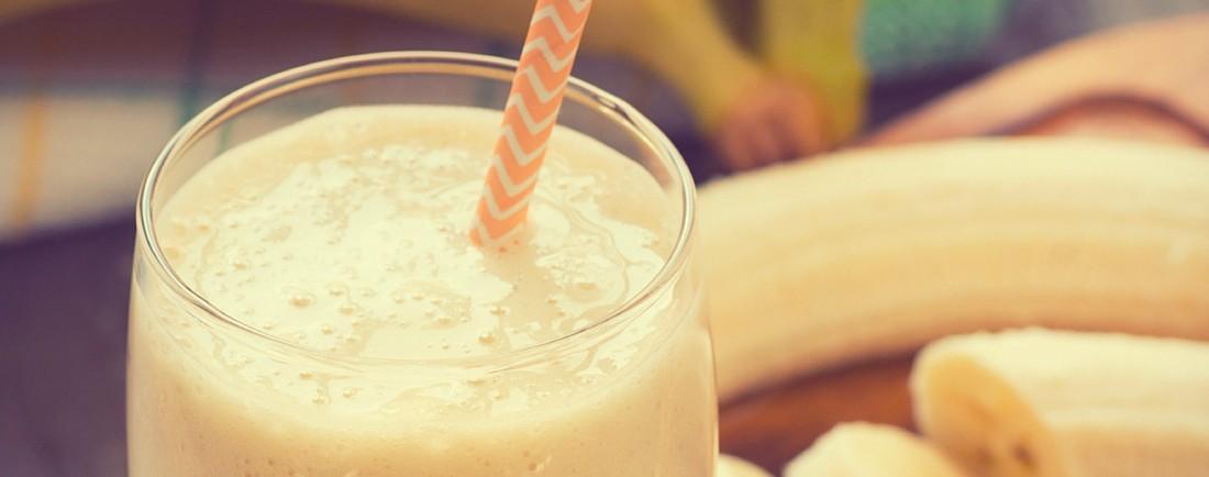 Banánovo-vanilkový mléčný koktejl