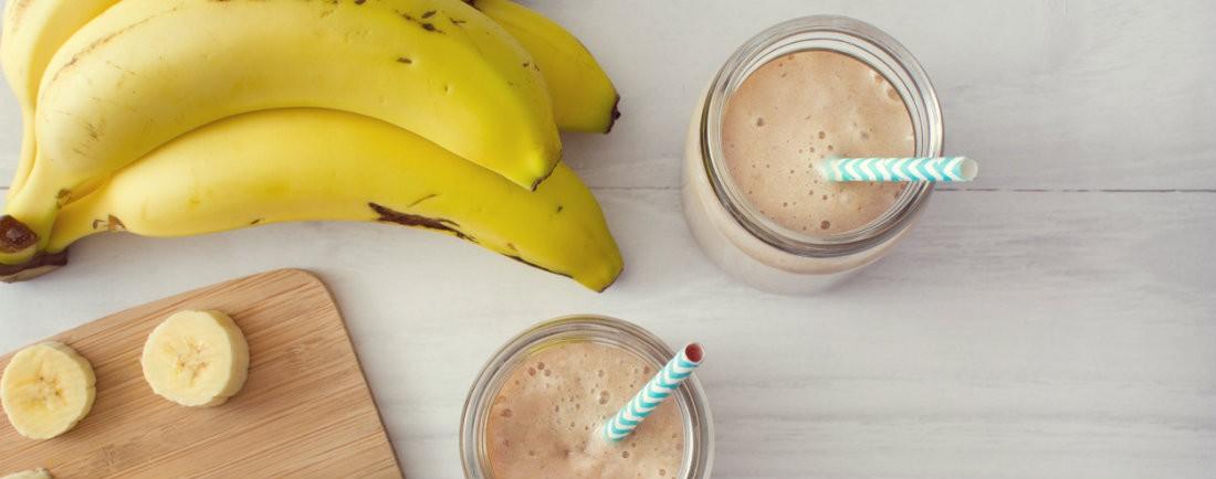 Mléčný koktejl s banánem a rýží