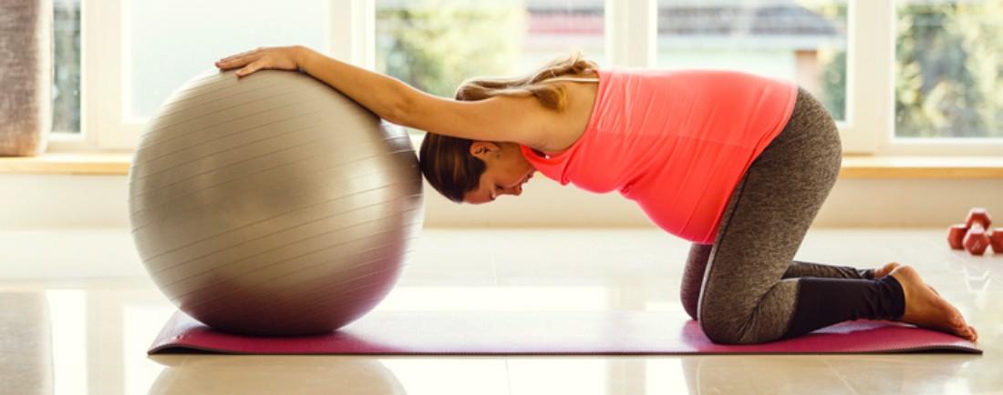 Cvičení pro těhotné s míčem