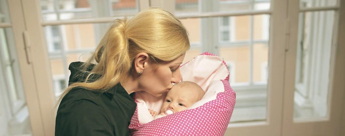 Peřová zavinovačka pomůže miminku se uvolnit a tím i od bolavého bříška